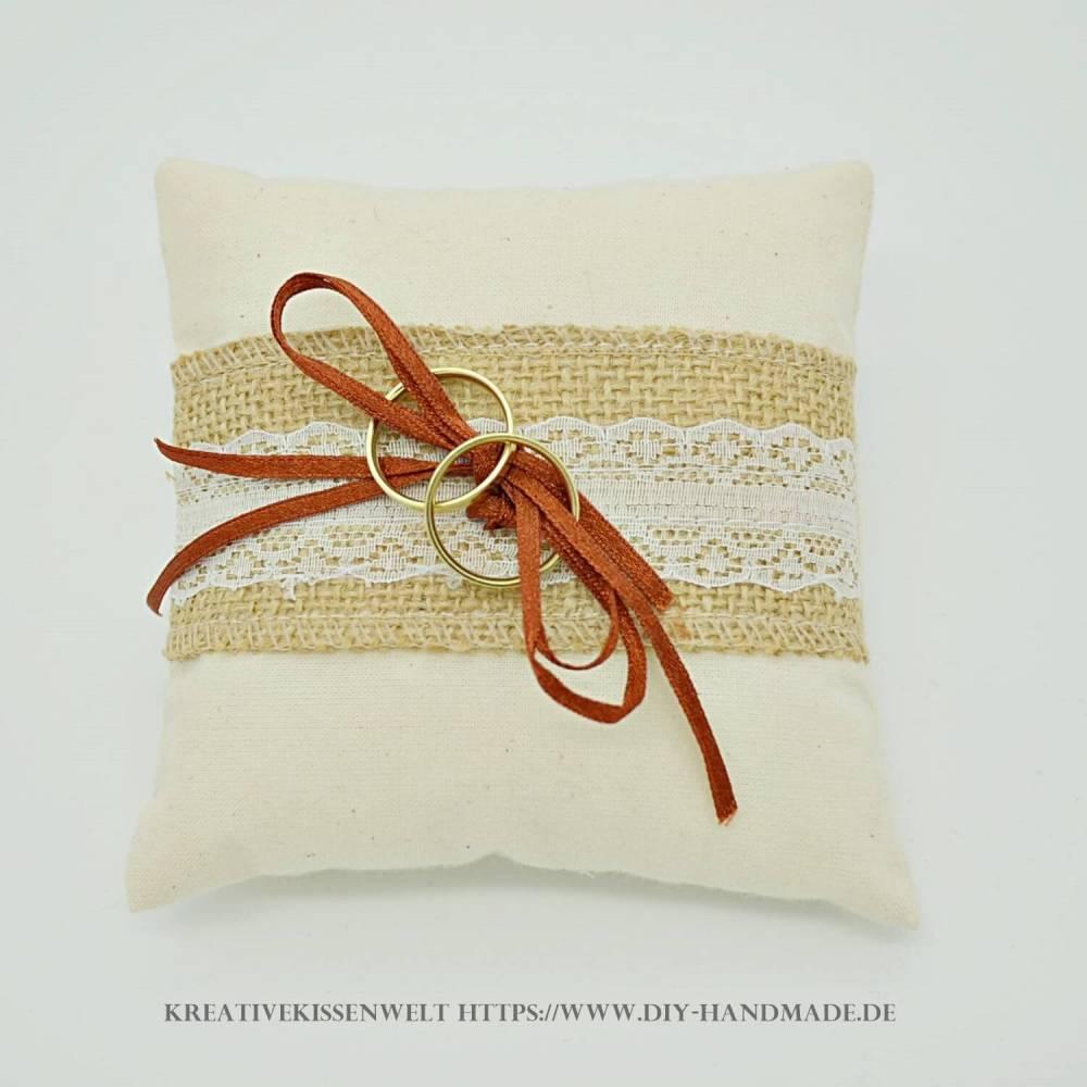 Hochzeit Ringkissen mit Jute und Spitze, Ringträgerkissen zur Vermählung und Trauung, 13 cm x 13 cm, Unikat Bild 1
