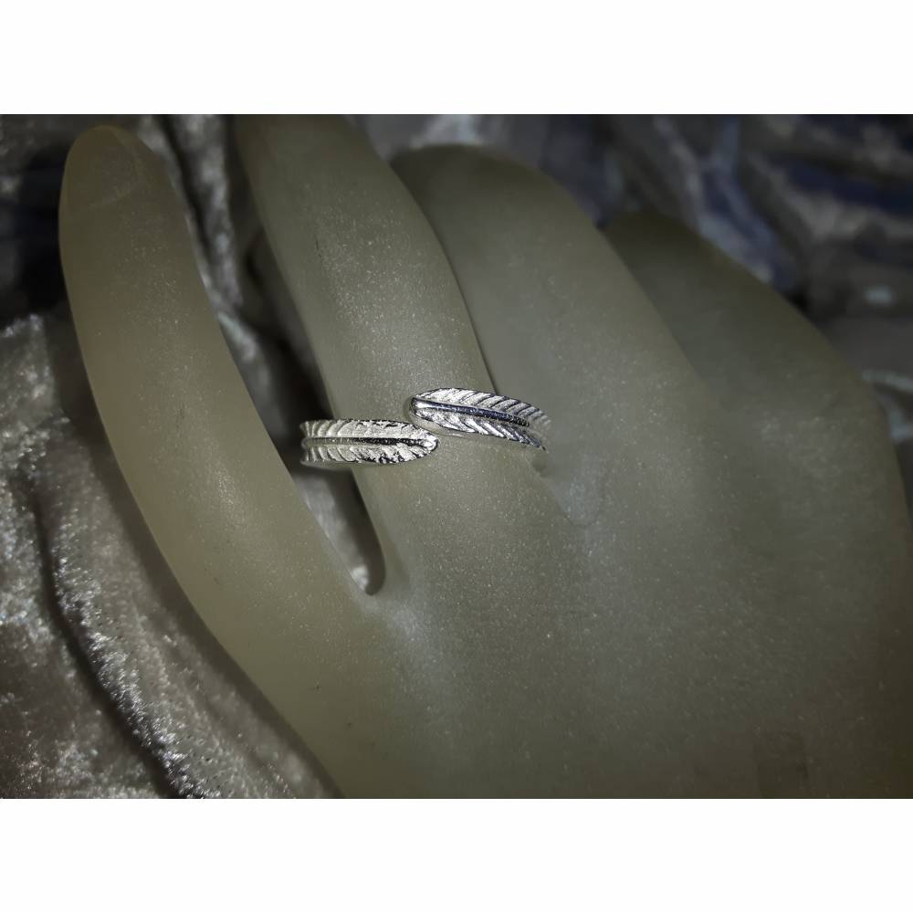 Zierlicher Silberring mit Feder-Design aus 999 Silber, verstellbar Bild 1