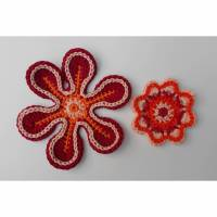 Häkelapplikation: 2 Häkelblumen zum basteln, dekorieren oder aufpimpen Bild 2
