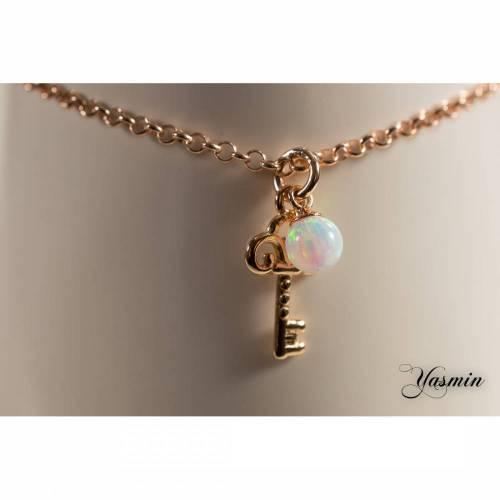 Schlüssel und weiße Opalkugel rosevergoldet Sterling
