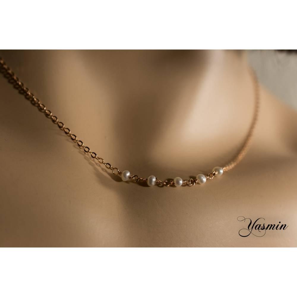 Süsse Perlen an rosegoldfilled Kette Bild 1