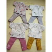 Ein Puppen Tunika und Hose und ein Puppen Kleid für Waldorf Puppen Gr 30-35cm Bild 1