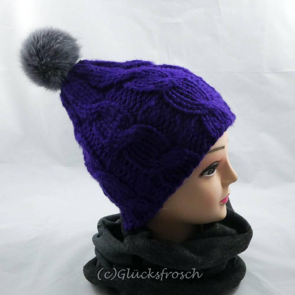 Mütze, lila, mit grauem Bommel (Kunstfellbommel) Bild 1