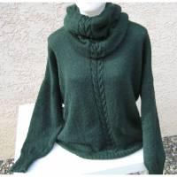 Damenpullover mit separatem Rollkragen  gestrickt in Tannengrün  aus 100% Alpaka  weich und kuschelig  Größe M  Bild 1