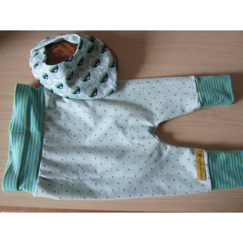 Öko-Pumphose und Wendehalstuch Pastell  Set für Babies, hell grüne Sterne! 68-74, 74-80