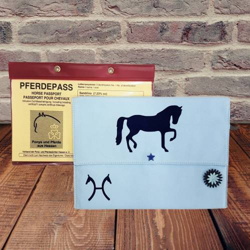 "Pferde / Equidenpass-Hülle ""Hannoveraner"" *personalisierbar"