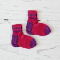 gestrickte Babysocken ~ Gr.68/74   Gr.17/18   Babystricksocken   Babyausstattung   Geschenkidee Bild 1