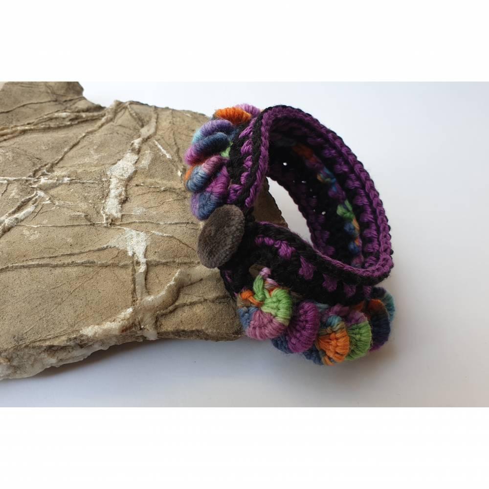 Häkelarmband, extravagantes und auffälliges Textilarmband Bild 1