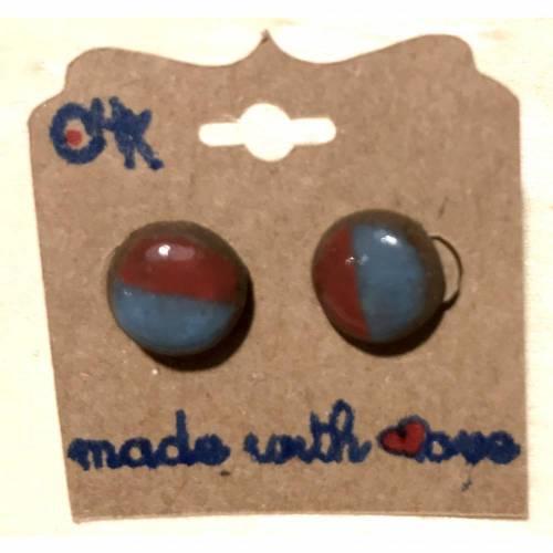 Minimalistische runde Keramik-Ohrstecker in Rot-Blau semi glasiert
