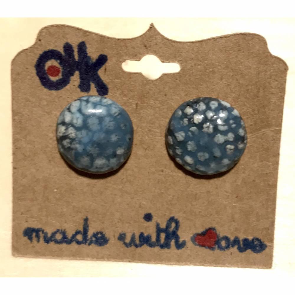Runde Keramik-Ohrstecker: Blau auf weißem Ton (3) Bild 1