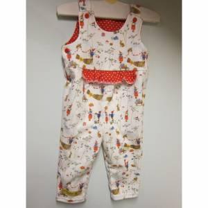 Öko-Strampler für Babies Winter Spaß, mit Pippa und Pelle in rot weiß als Glücksbringer 9 mo Gr 74-80, Baby Strampler