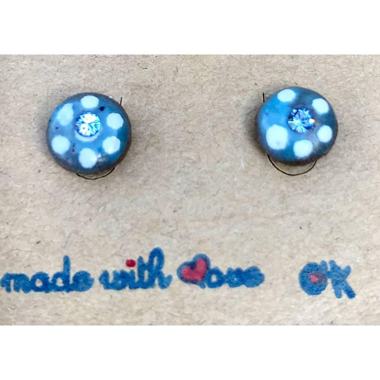 Runde Keramik Ohrstecker Unikate - in blau mit weißen Punkten glasiert + Swarovski-Steinchen Blau Bild 1