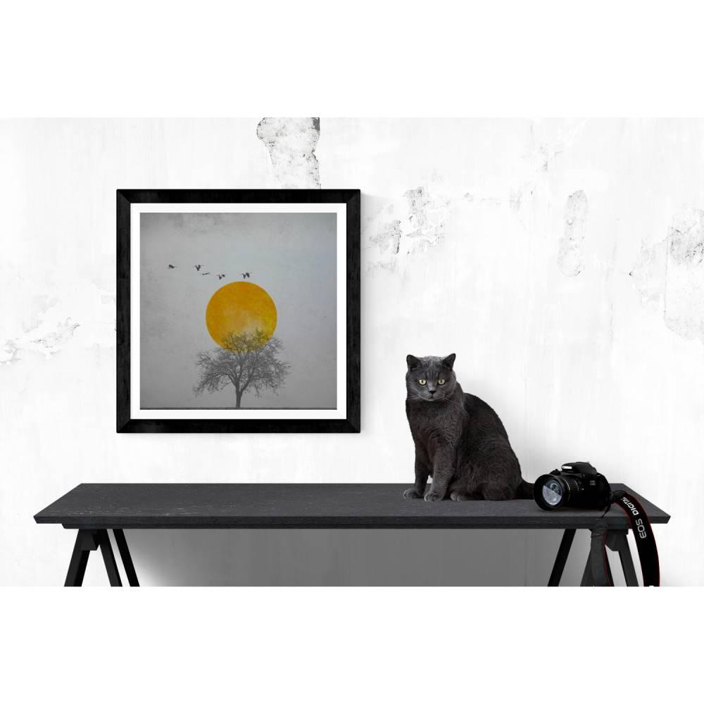 Baum, Sonne und Kraniche, texturierter Kunstdruck mit grauem Vintage-Hintergrund in 3 Größen // 13 x 13 cm, 20 x 20 cm, 30 x 30 cm Bild 1