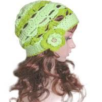 Damen Beanie *Grüne Fee* mit Blüte Größe M 55 - 56 cm Kopfumfang  gehäkelte Handarbeit Bild 1