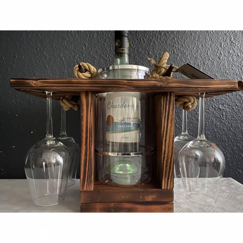 VinoPAX©Quattro. Nussbaum.Tragbarer Weinträger Weinkühler Weinhalter Getränkehalter. Aus Naturholz. Gebeizt und versiegelt. Segeltau und Bootsklampen bzw. Messingbeschlägen. Mit LED-Beleuchtung und Fernbedienung. Bild 1