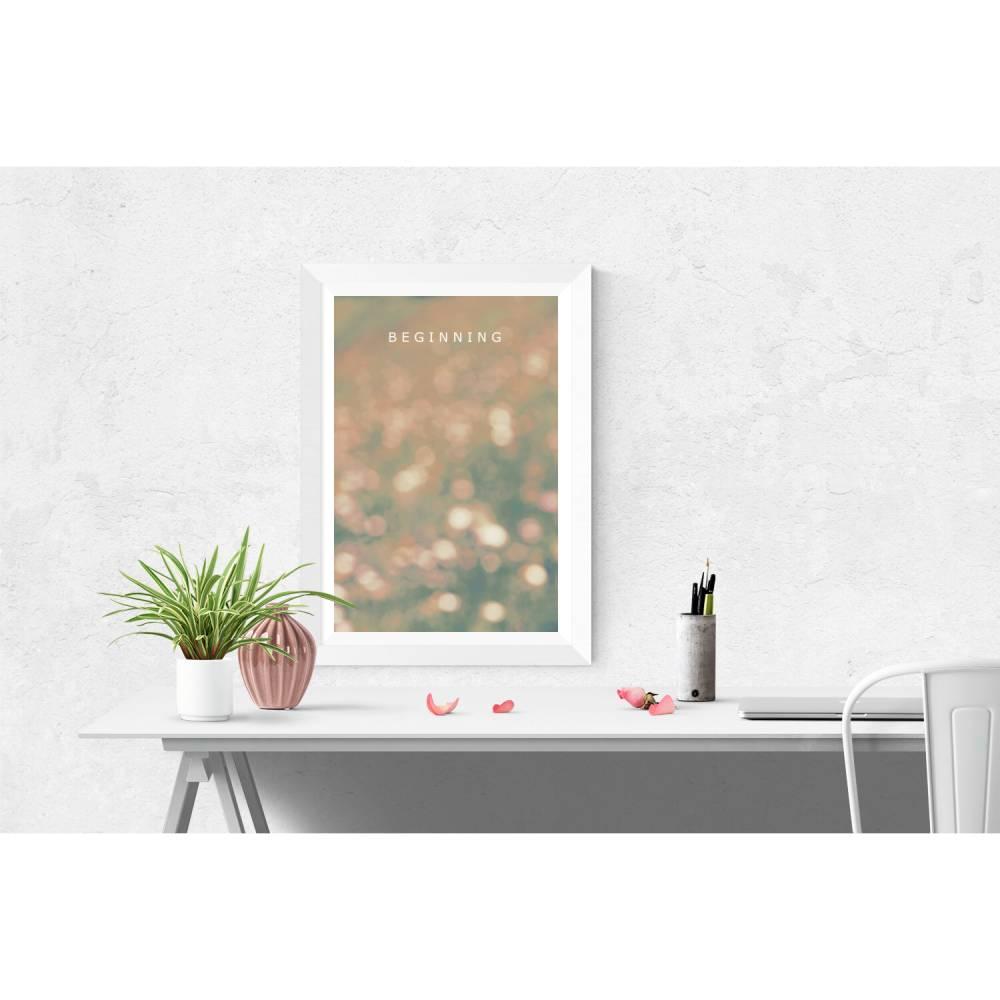 """Lettering Poster mit dem Schriftzug """"BEGINNING"""" auf glitzerndem Bokeh-Hintergrund in grün oder rosa, Größe 45 x 30 cm Bild 1"""