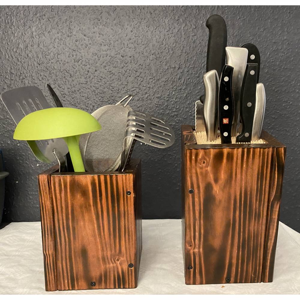 CookingPAX©. Mahagonifarben. Messerblock plus Küchenutensilien Box . Aus Naturholz und Bambus. Gebeizt/ lackiert und versiegelt. Palettendesign . Personalisierbar. Viele Farben möglich. Bild 1