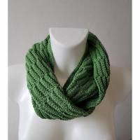 Schlauchschal Endlosschal Runder Schal Handgestrickt Loop in Grün mit Muster