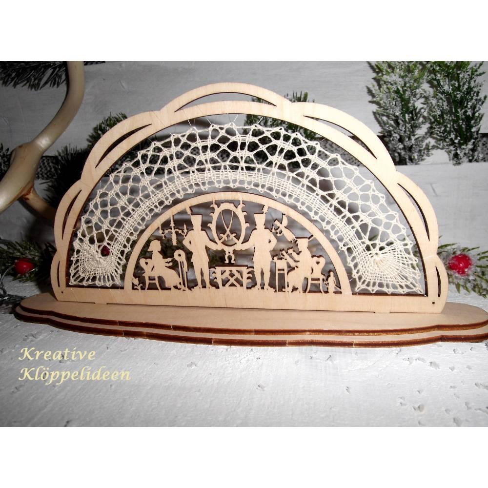 Kleiner Schwibbogen mit Klöppelspitze Handarbeit traditionell Weihnachten Motiv Bergmänner Bild 1