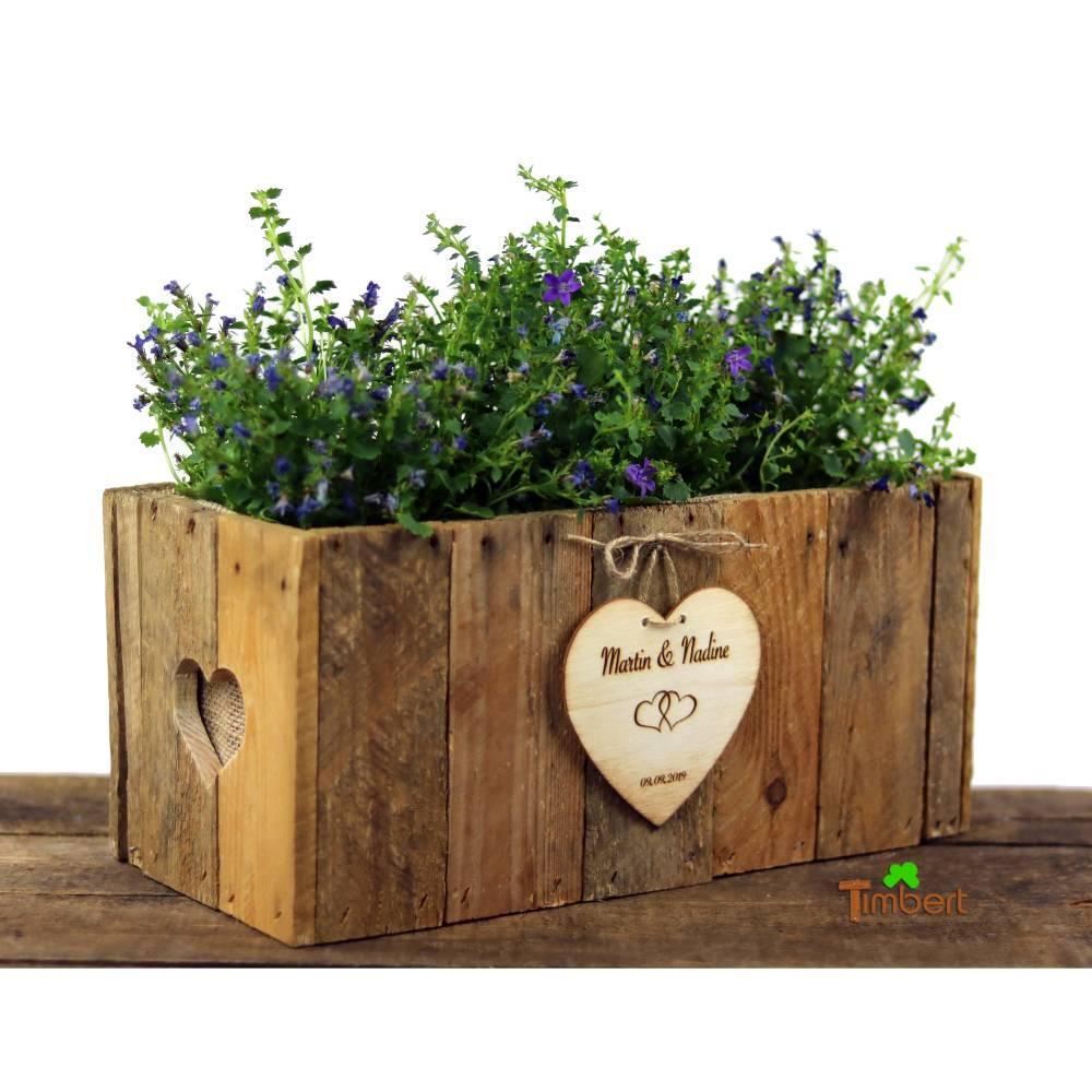 RUSTIKALE BLUMENKISTE aus alten Obstkistenbrettern Geschenk Brautpaar Hochzeit Holz TISCHDEKO Weinkiste Blumenkasten Graviert Personalisiert Bild 1