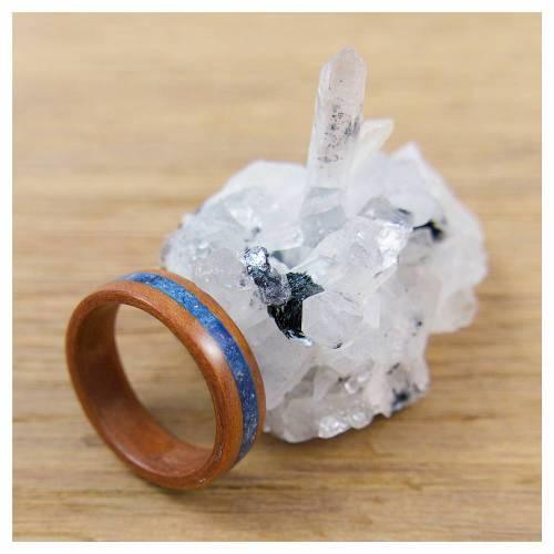 Bentwood Ring aus Tineo und blauem Sand Inlay, Innendurchmesser 17,7mm
