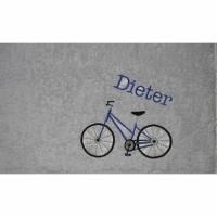 Duschtuch, bestickt mit Fahrrad, personalisiert inkl. Wunschname, Baumwollhandtuch, individuell, von Dieda Bild 1
