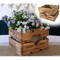 Rustikale OBSTKISTE Blumenkiste TISCHDEKO Hochzeitsgeschenk Geschenk Brautpaar Personalisiert aus Holz Vintage Hölzerne Jahrestag Valentin Bild 1