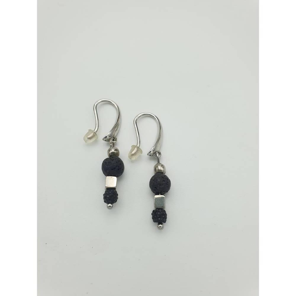 Perlen - Ohrringe, außergewöhnliches Lavastein-Design in schwarz-silber, 4cm lang Bild 1