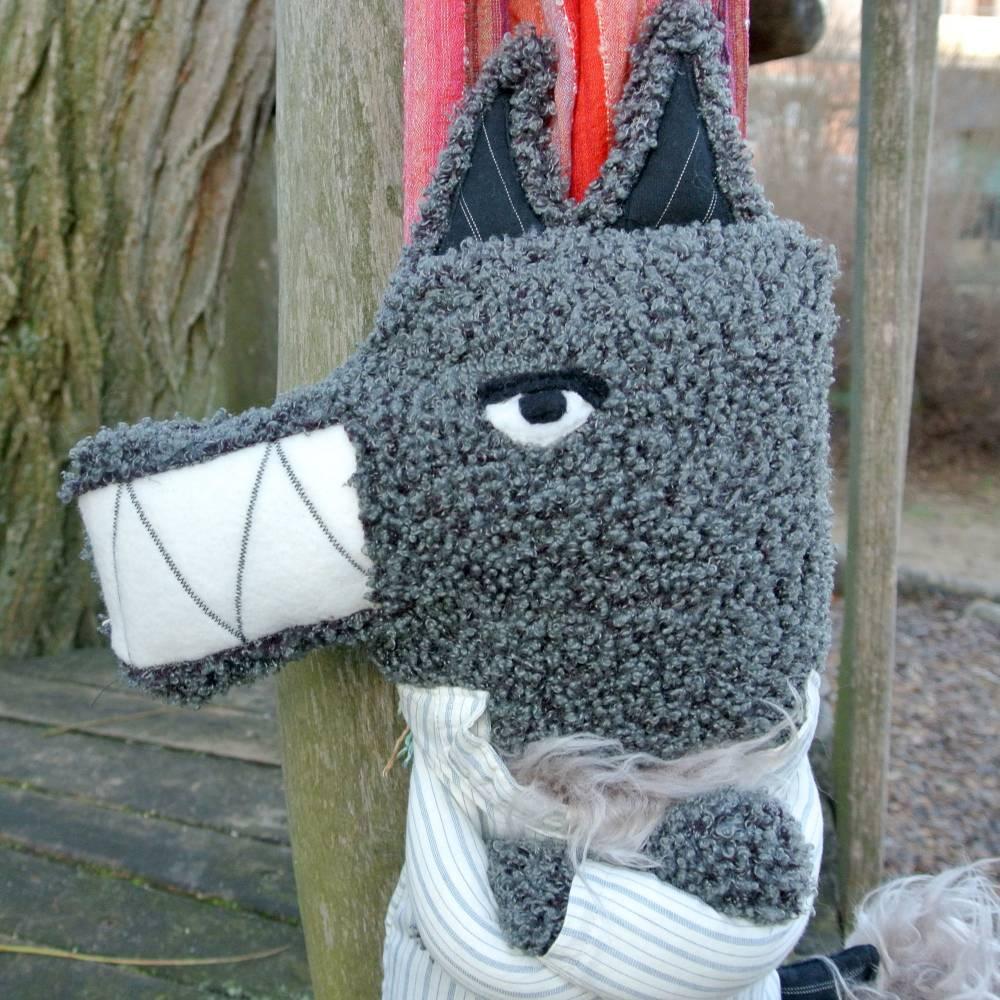 WOLFI, der freundliche | ein Wolf, Nähkunst, Stoffunikat, Upcycling, Upcyclingart, Stoffine Bild 1
