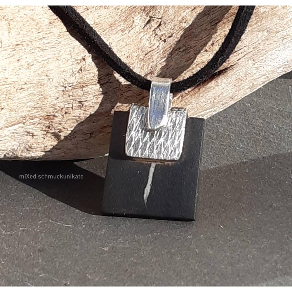 Kettenanhänger schwarze Keramik gefasst in Silber  Bild 1