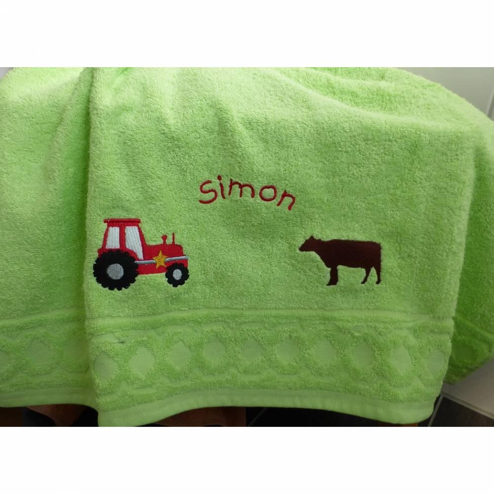 Handtuch, bestickt, Traktor und Kuh, personalisiert inkl. Wunschname, Baumwollhandtuch, individuell, von Dieda Bild 1