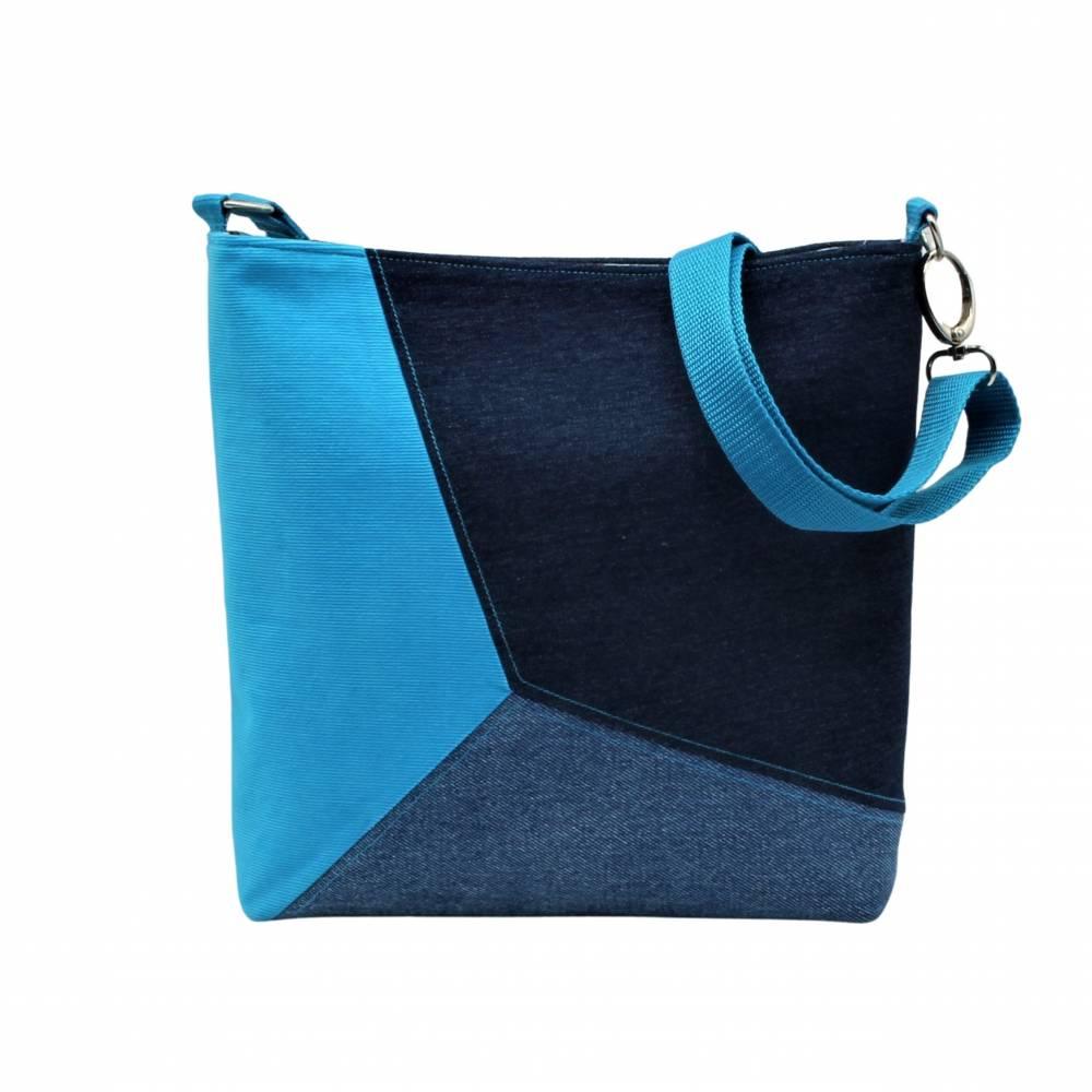 """handgefertigte Jeanstasche """" Tabby """" - eine farbenfrohe, einzigartige Handtasche die aus Upcycling entstanden is Bild 1"""