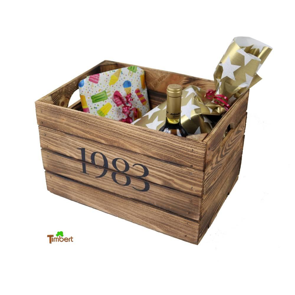Vintage Holzkiste mit Jahrgang Personalisiert Rustikale Geschenkekiste Weinkiste Geburtsjahr Branding Holz Geschenk Frau Geburtstag Hochzeit Bild 1