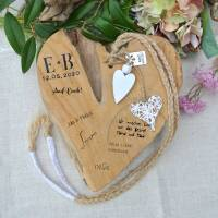 Ein Herz für die Ewigkeit   Gästebuch, Brautpaargeschenk, Album, Hochzeitsalbum, Herz aus Teakholz, individualisierbar, personalisiert  Bild 1