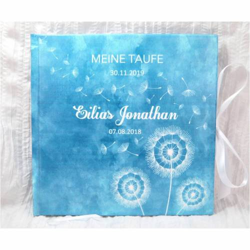 personalisiertes Gästebuch zur Taufe für Jungen in Blau mit Pusteblumen auf Aquarell; ideal als Taufgeschenk