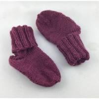 handgestrickte Babysocken in erika Farbe (70) Bild 1