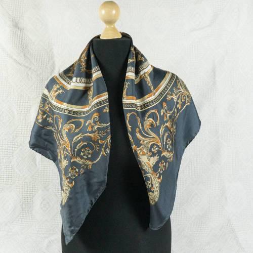 Klassisches Halstuch, Tuch, Seide für Damen, Seidentuch der Firma van Laack, traditionelles Motiv, getragen, guter Zustand, Vintage