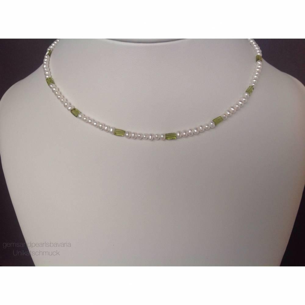 Perlenkette mit Peridotrechtecken, Geschenk für Frauen, Edelsteine, Home Office, Handarbeit aus Bayern  Bild 1