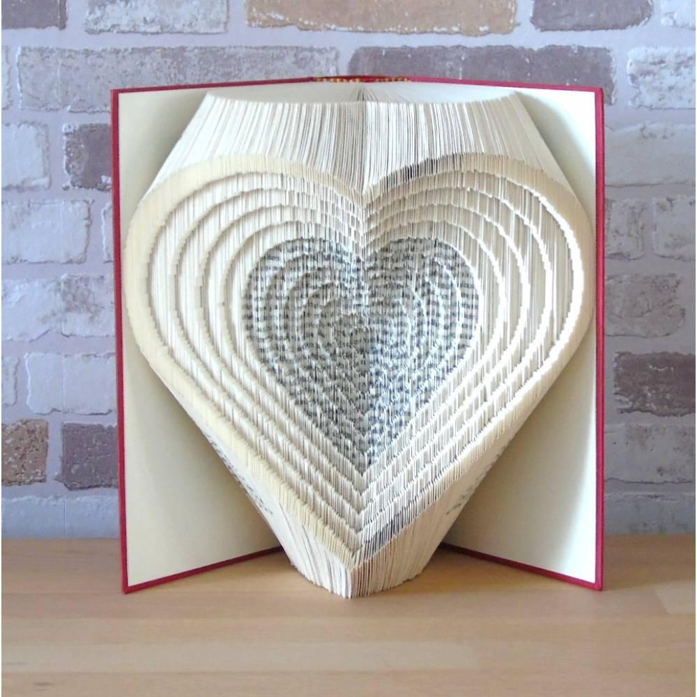 gefaltetes Buch - Herzen 3D // Buchkunst // Bookfolding // Liebe // Hochzeit // Valentinstag // Muttertag Bild 1