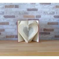 gefaltetes Buch - Herzen 3D // Buchkunst // Bookfolding // Liebe // Hochzeit // Valentinstag // Muttertag Bild 2