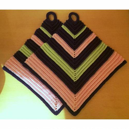 Topflappen - gehäkelt - von DORIS - 100% Baumwolle - HANDARBEIT - dunkellila-jade-rosa gestreift