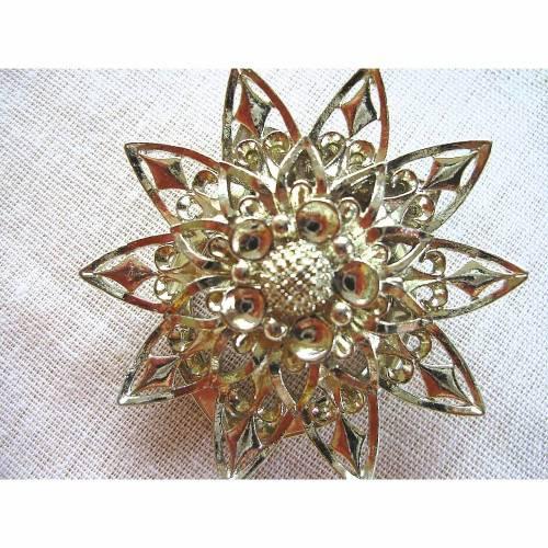 Vintage♥Runder Schalclip♥Filigrane Blüte♥aus den 70er Jahren♥