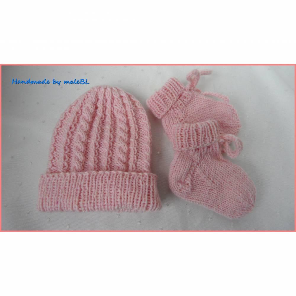 Für Mädchen in rosa. Set für Frühchen – Mütze und Socken  Bild 1