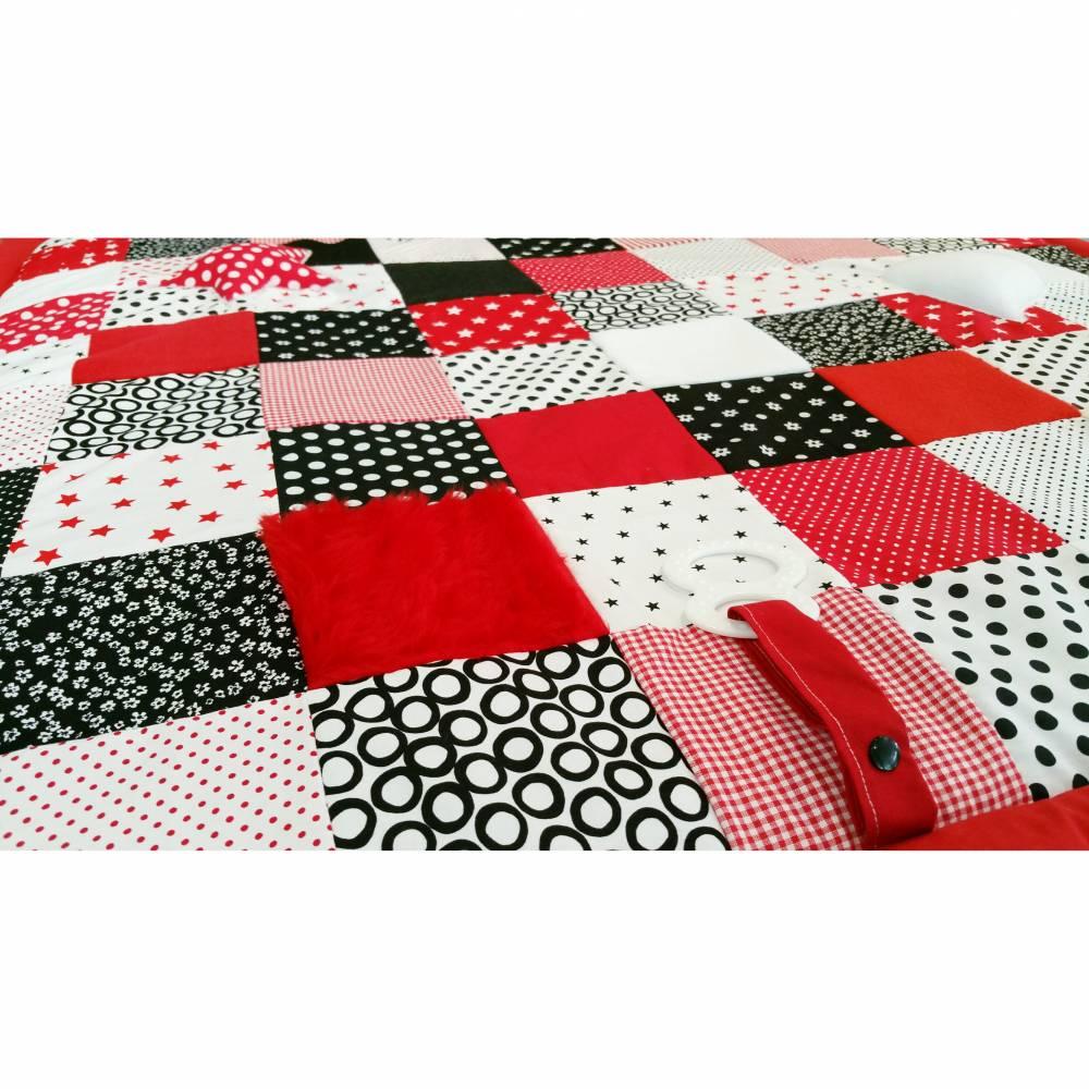 Spieledecke, Kuschel und Erlebnisdecke rot/schwarz 52 Bild 1