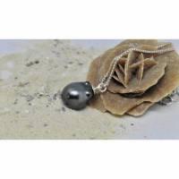 Perlen-Anhänger an Kette, graue elegante Tahiti-Perle grün-schwarz 13 x 17 mm, Brautkette, Geschenk für Frau Bild 1