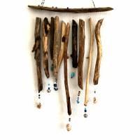 maritimes Windspiel aus Treibholz, Mobile mit Muscheln und Perlen  Bild 7