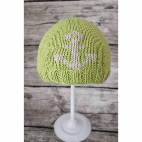 Gestrickte hellgrüne Baby-Mütze aus Mikrofaser mit Anker-Stickerei