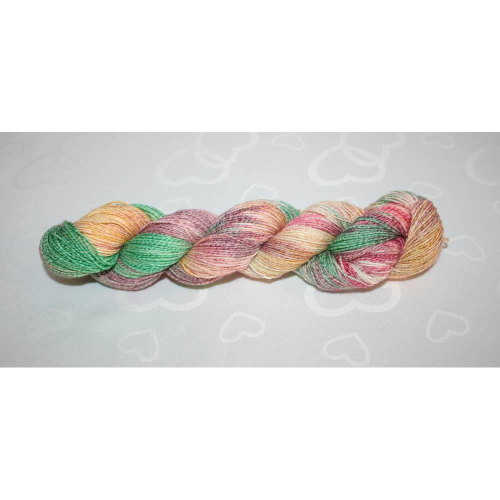 Sockenwolle Hand gefärbt mit Baumwolle 4-fach  Bild 1