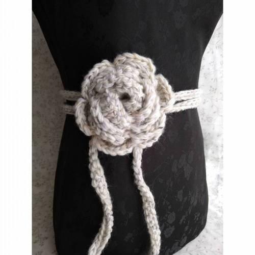 Rosengürtel / Taillenband aus Tweedwolle mit Seide, weiß/Schwaz/lila
