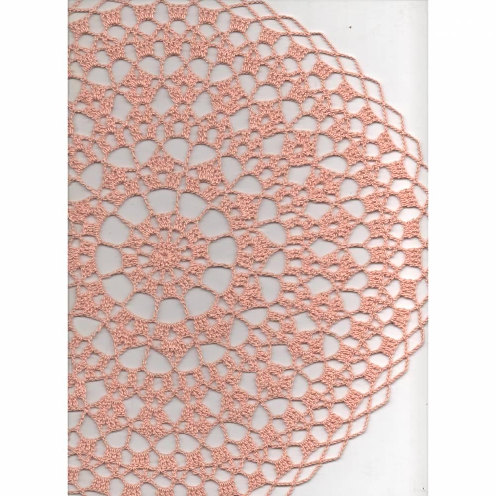 Ein Hauch von Frühling-Häkeldeckchen aus lachsfarbenem Baumwollgarn Bild 1